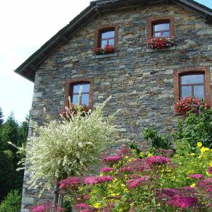 Foto Hotel: Bed & Breakfast Schlommefurth, Poteau