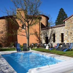 Hotel Pictures: Château des Aiguilles, Saint-Rémy-de-Chargnat