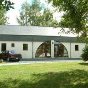 Foto Hotel: Holiday home Vakantiepark Les Onays 6, Wibrin