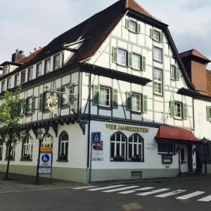 Hotel Pictures: Flair Hotel Vier Jahreszeiten, Bad Urach