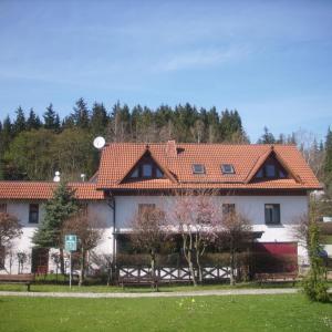 Hotel Pictures: Die Radler - Scheune Finsterbergen, Friedrichroda