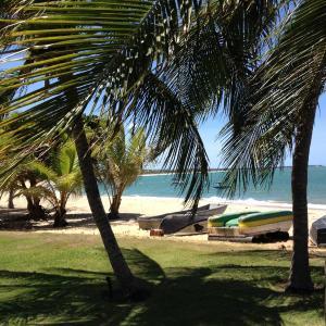 Hotel Pictures: Itacimirim Frente Mar, Pojuquinhos