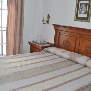Hotel Pictures: Hostal Dianes, Nerja