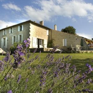 Hotel Pictures: Beau Sejour, Naujan-et-Postiac