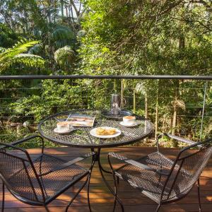 Hotel Pictures: Pethers Rainforest Retreat, North Tamborine