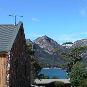 Foto Hotel: Coles Bay Stone Cottage, Coles Bay