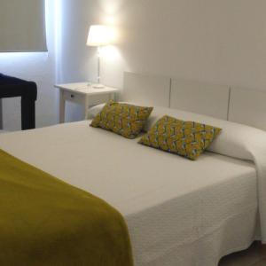 Hotel Pictures: Villa Dora, Cala en Blanes