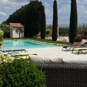 Hotel Pictures: Mas Saint Julien, Cavaillon