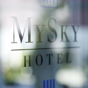 Hotel Pictures: MySky Hotel, Pulheim