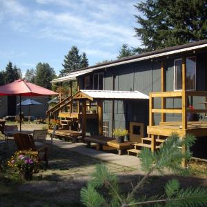 Hotel Pictures: Lake Trail Guesthouse, Courtenay
