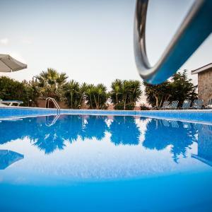 Hotel Pictures: Villa Kapistris Dyo, Coral Bay