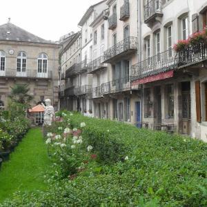 Hotel Pictures: Appartements -2 Rue des Sybilles, Plombières-les-Bains