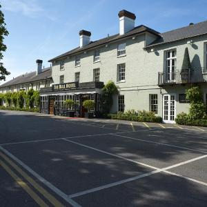 Hotel Pictures: The Bull, Gerrards Cross