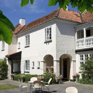 Hotel Pictures: Villa Strand, Hornbæk