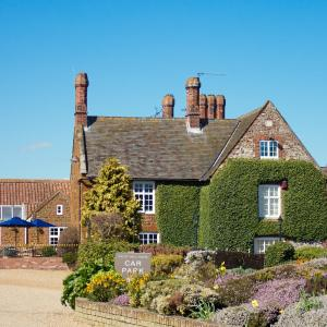 Hotel Pictures: Caley Hall Hotel, Hunstanton