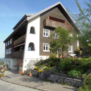 Hotellikuvia: Ferienhaus Nussbaumer, Sibratsgfäll