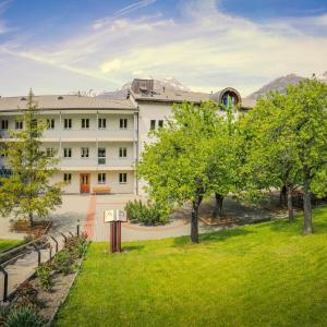 Hotel Pictures: Hotel & Bildungshaus St. Jodern, Visp