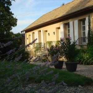 Hotel Pictures: Les Communs du Manoir, Écully