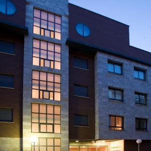 Hotel Pictures: ApartHotel Ascarza Badajoz, Badajoz