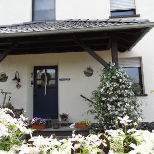 Hotel Pictures: Ferienwohnung Vogt, Mertloch