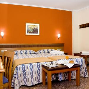 Hotel Pictures: Hotel Ramis, Ondara