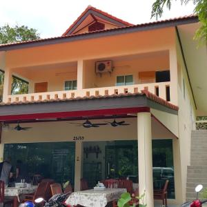 Hotellikuvia: Joy Guesthouse, Rawai Beach