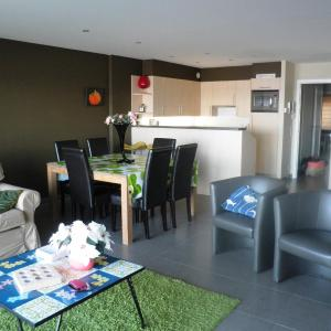 Hotel Pictures: Appartement Borealis, Blankenberge