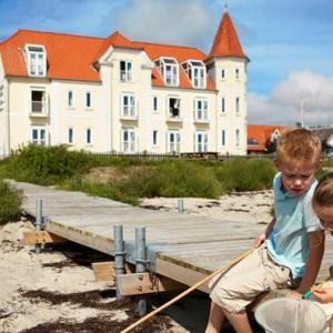 Hotel Pictures: Hejlsminde Badehotel One-Bedroom Apartment 11, Hejlsminde