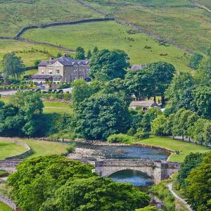 Hotel Pictures: The Devonshire Fell Hotel, Burnsall