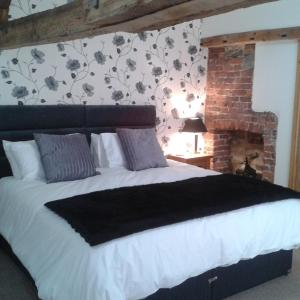 Hotel Pictures: The Bear, Rhayader