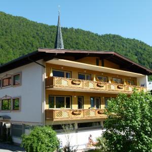 Hotel Pictures: Gästehaus-Pension Bendler, Kirchdorf in Tirol
