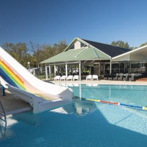 Фотографии отеля: Mandalay Holiday Resort and Tourist Park, Басселтон