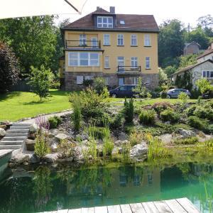Hotelbilleder: Pension Villa am Burgberg, Waltershausen