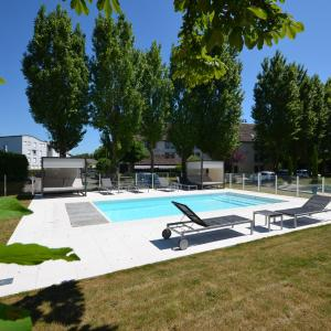 Hotel Pictures: Kyriad Dijon Est Mirande, Dijon