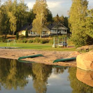 Hotel Pictures: Hjortö Stugor & Stockhus, Ödkarby