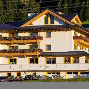 Hotel Pictures: Hotel Garni Regina, Weerberg