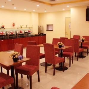 Hotel Pictures: Hanting Express Xuchang Trainstation, Xuchang