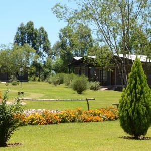 Foto Hotel: Hotel Las Azaleas, Jardín América