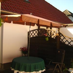 Hotel Pictures: Ferienhaus Abendsonne, Born
