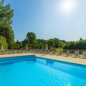 Hotel Pictures: Lagrange Vacances Les Bastides de Lascaux, Montignac