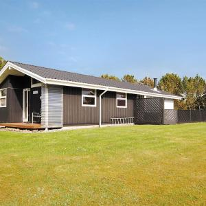 Hotel Pictures: Three-Bedroom Holiday Home Skovbrynet with a Sauna 06, Oddesund Syd