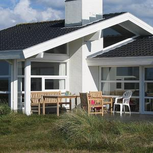 Hotel Pictures: Three-Bedroom Holiday Home Gærdesmuttevej with a Sauna 01, Østerby
