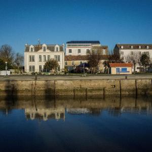 Hotel Pictures: Le Domaine du Meunier, Mortagne-sur-Gironde