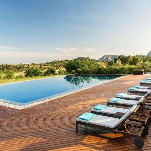 Hotel Pictures: Castell Son Claret, Es Capdella