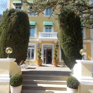 Hotel Pictures: Le Cèdre de Soyons, Soyons