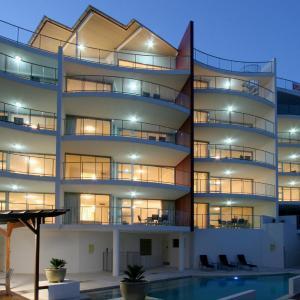 Фотографии отеля: Salt on Kings Apartments, Калаундра