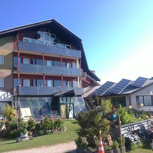 Hotel Pictures: Aqua Reiki Ski Hotel Klippitz Nordost, Reichenfels