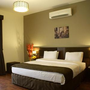 Hotel Pictures: Weekend Hotel & Apartments, Muscat