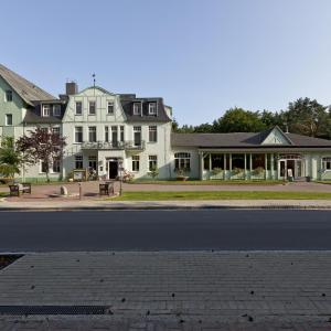 Hotel Pictures: Seehotel Ecktannen, Waren