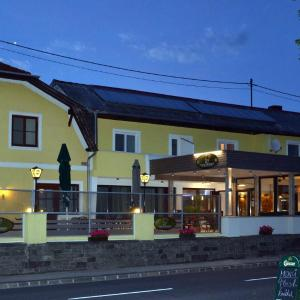 Hotellikuvia: Gasthof Haselberger, Marbach an der Donau